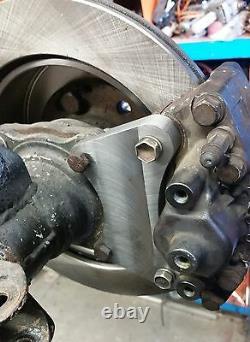 Hilux diff Disc Brake Conversion Billet Caliper Bracket to suit R33 twin piston